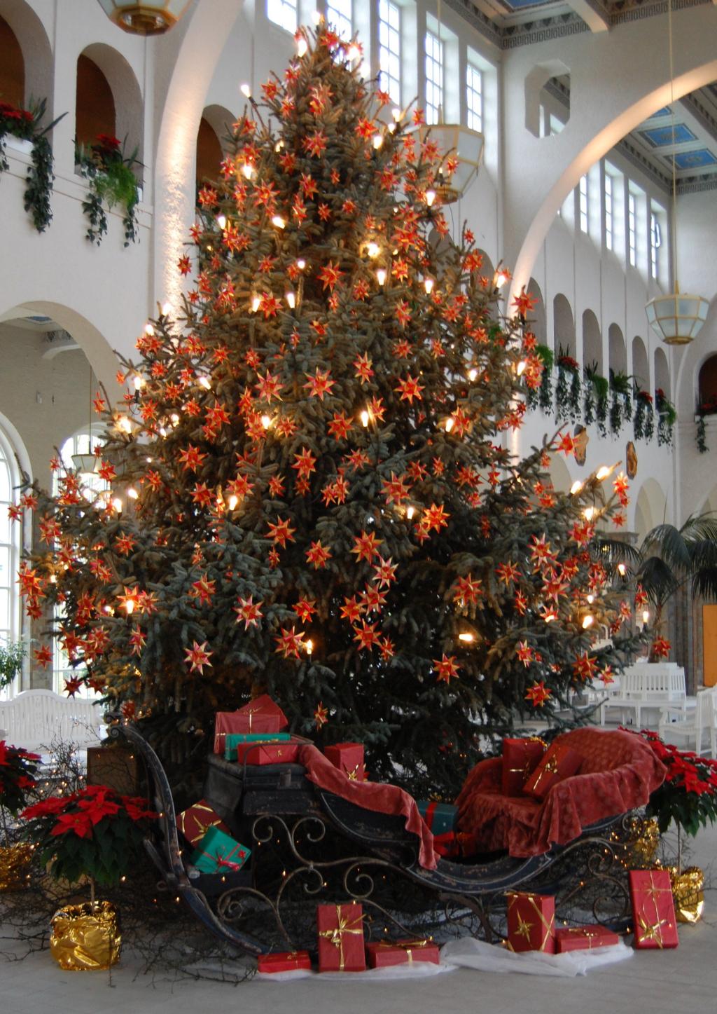 Wann Wurde Der Geschmückte Weihnachtsbaum Populär.Stille Nacht Heilige Nacht Liedtext Und Hintergründe