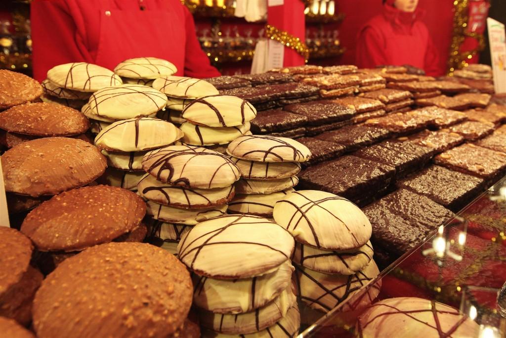 Die größte Auswahl an Nürnberger Lebkuchen bietet traditionell der Nürnberger Christkindlesmarkt (Foto: CTZ / Steffen Oliver Riese)