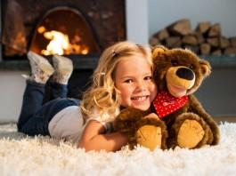 Brummel der Geschichtenbär ist ein tolles Weihnachtsgeschenk für Kinder ab drei Jahren.
