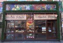 Lebkuchen Fabrikverkauf: Die Filiale von Lebkuchen Schmidt befindet sich direkt am Hauptmarkt und ist ganzjährig geöffnet.