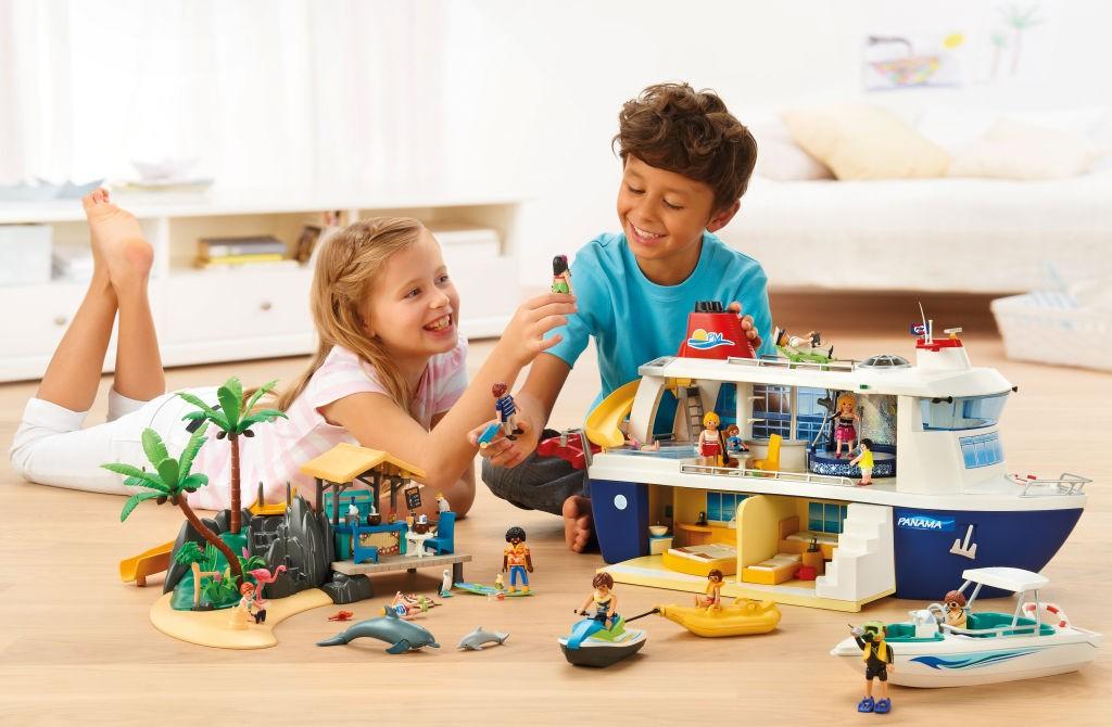 Das Playmobil Kreuzfahrtschiff sticht im August 2016 in See (Foto: Playmobil)