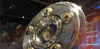 Der amtierende Deutsche Meister präsentiert den neuen FC Bayern Adventskalender 2016.
