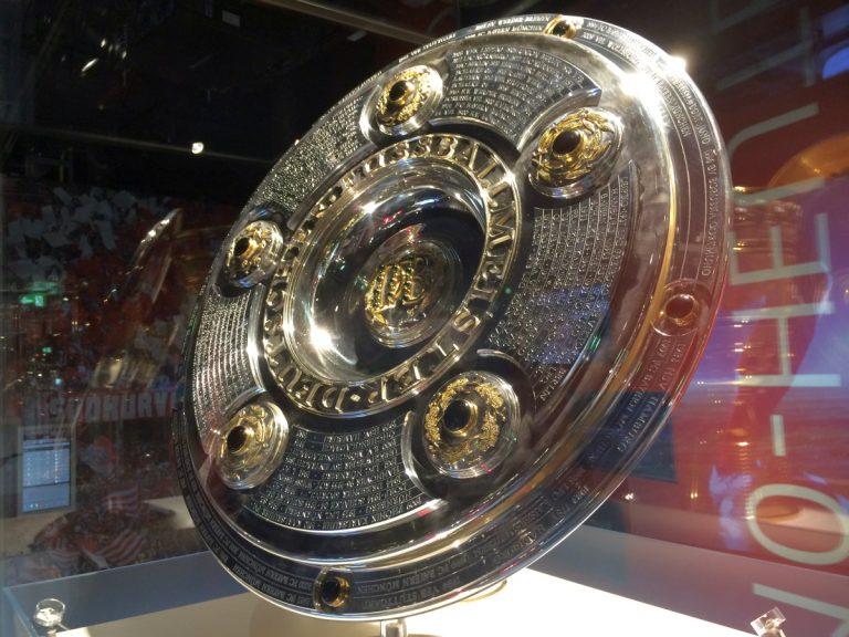 FC Bayern Adventskalender 2016 mit 5 Euro Gutschein