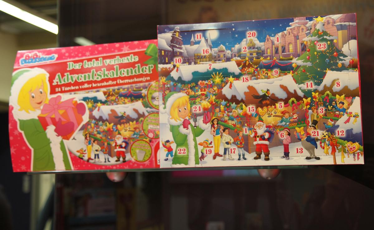 Tolle Idee von Schmidt Spiele: der Original Bibi Blocksberg Adventskalender 2017.