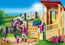 Perfekte Ergänzung für den Playmobil Reiterhof: Pferdebox mit Araber (Foto: Playmobil)