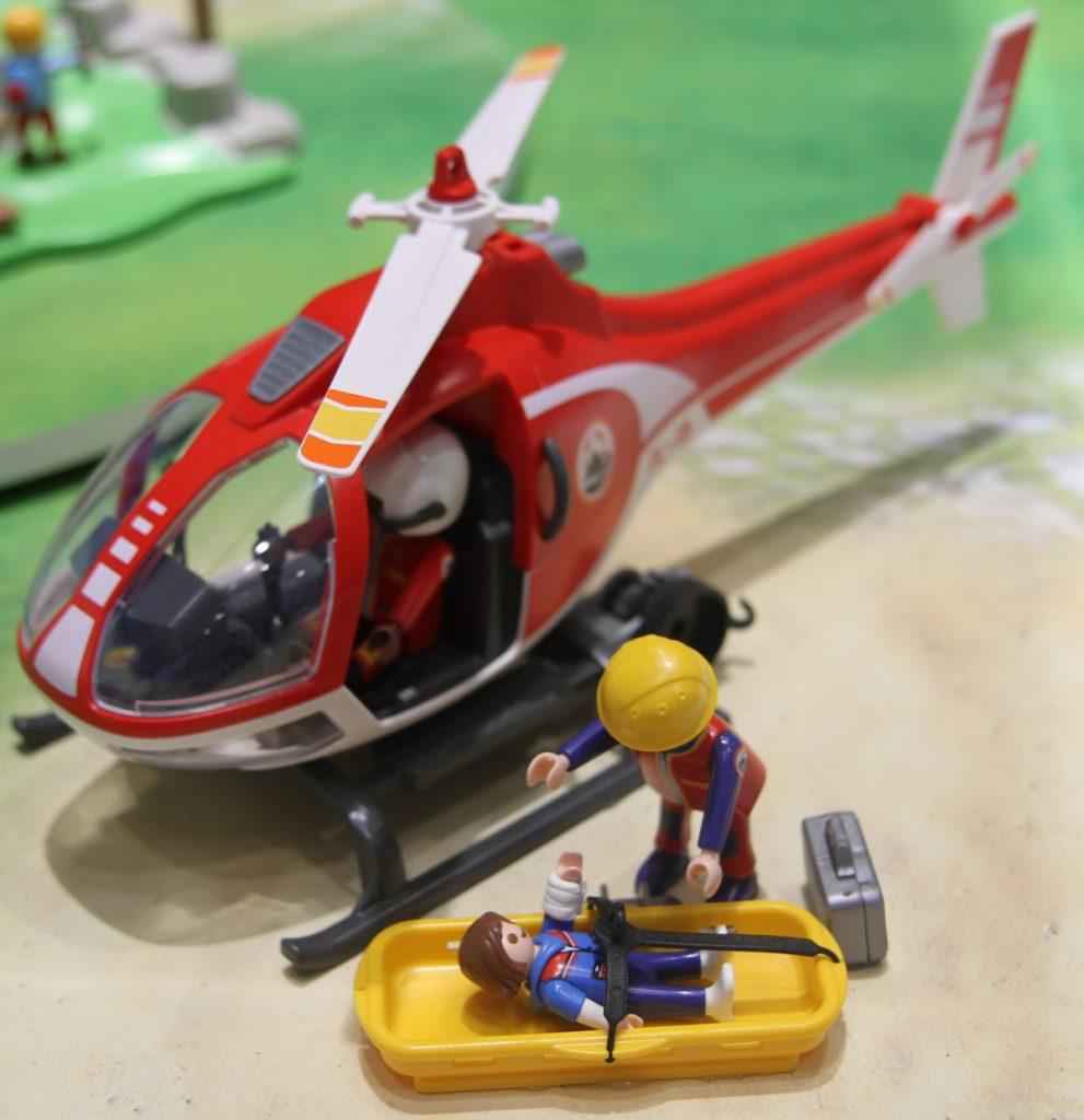 Erstversorgung und Abtransport: der neue Playmobil Bergretter-Helikopter (Foto: Odufroehliche.de)