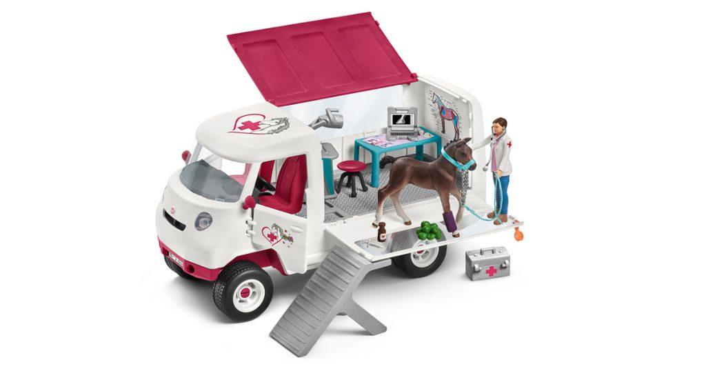 Die mobile Tierarztpraxis mit Tierärztin und Fohlen (Foto: Schleich)